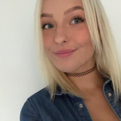 Kayleigh zoekt een Appartement / Huurwoning / Studio / Woonboot in Amsterdam