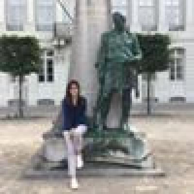 Yusra zoekt een Kamer/Appartement/Huurwoning in Amsterdam