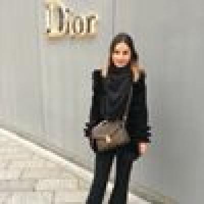 Renee zoekt een Kamer / Appartement / Huurwoning in Amsterdam