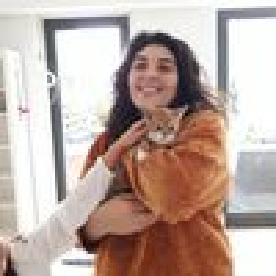 Azra is looking for a Room / Studio in Amsterdam
