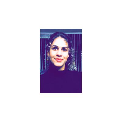 Sanaz zoekt een Appartement / Huurwoning / Studio in Amsterdam