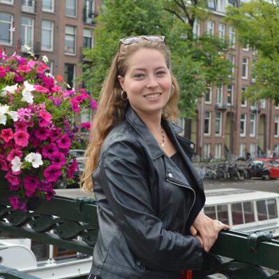 Lieke zoekt een Appartement / Huurwoning / Kamer / Studio in Amsterdam