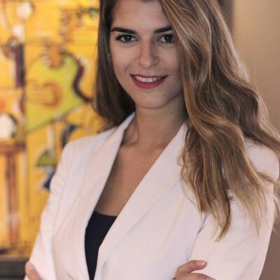 Konstantina zoekt een Appartement / Huurwoning / Kamer / Studio in Amsterdam