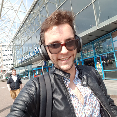 Tom zoekt een Appartement / Huurwoning / Kamer / Studio in Amsterdam