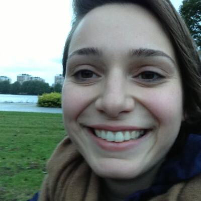 Claudia zoekt een Kamer / Appartement / Studio in Amsterdam