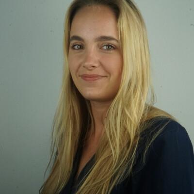 Kamila zoekt een Appartement / Kamer / Studio / Woonboot in Amsterdam
